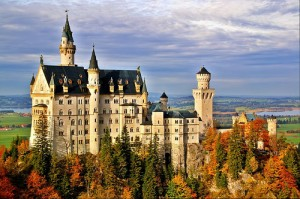 Cualquier día subastan el palacio de Blancanieves con los siete enanitos dentro...