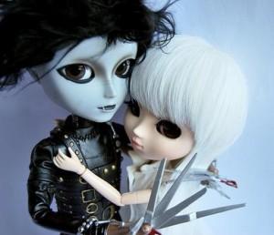 Zetapé y De la Vega, abrazados ante el recorte por si se hunde el 'Spanic'. Atuendo proporcionado por las hijas de ZP