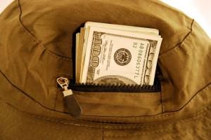 A ver si algunos notarios y registradores dejan de llenarse los bolsillos cobrándonos de más por cancelar una hipoteca
