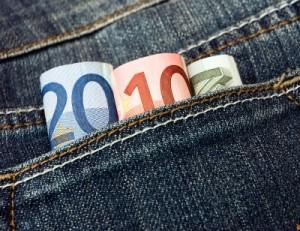 Bienvenidos sean unos euretes de ahorro en la hipoteca, ahora que bajan los sueldos y suben los impuestos