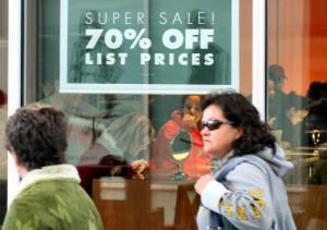 Las hipotecas bajan de precio pero aún no lo suficiente